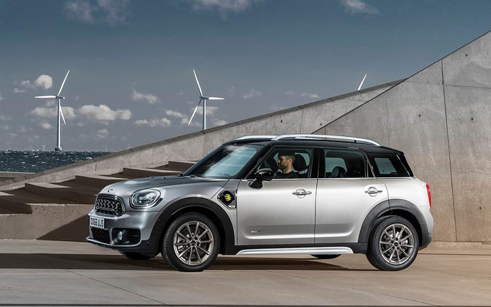 mini-countryman_plug-in_hybrid-2017-1600-07