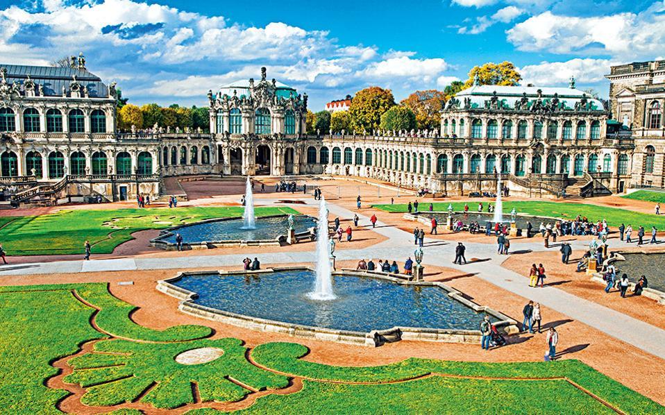 To διάσημο ανακτορικό συγκρότημα Zwinger συμπυκνώνει την μπαρόκ μεγαλοπρέπεια της πρωτεύουσας της Σαξονίας. (Φωτογραφία: Shutterstock)