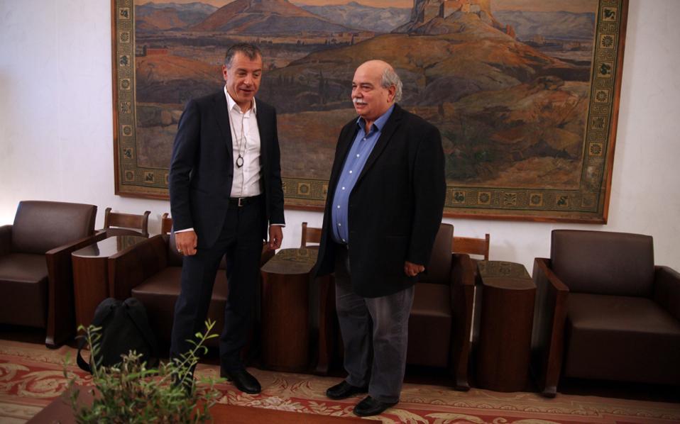 Ο κ. Στ. Θεοδωράκης πρότεινε στον κ. Ν. Βούτση την άμεση συγκρότηση του ΕΣΡ.