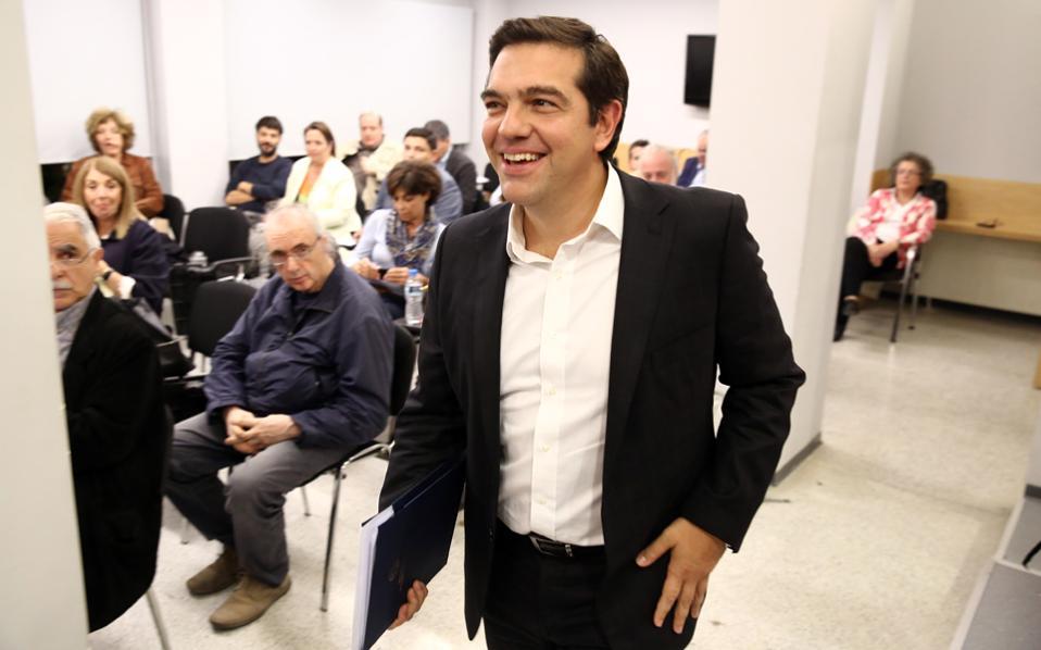 Ο πρωθυπουργός Αλ. Τσίπρας στη συνεδρίαση της Πολιτικής Γραμματείας του ΣΥΡΙΖΑ.