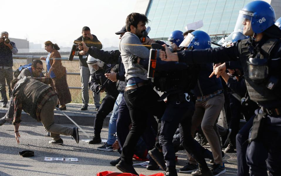 turkey_police_riot