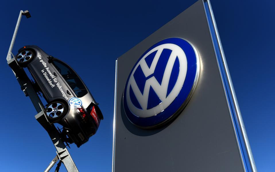 Σε κάθε αγοραστή των επίμαχων οχημάτων η VW θα δώσει από 5.100 έως 10.000 δολάρια.