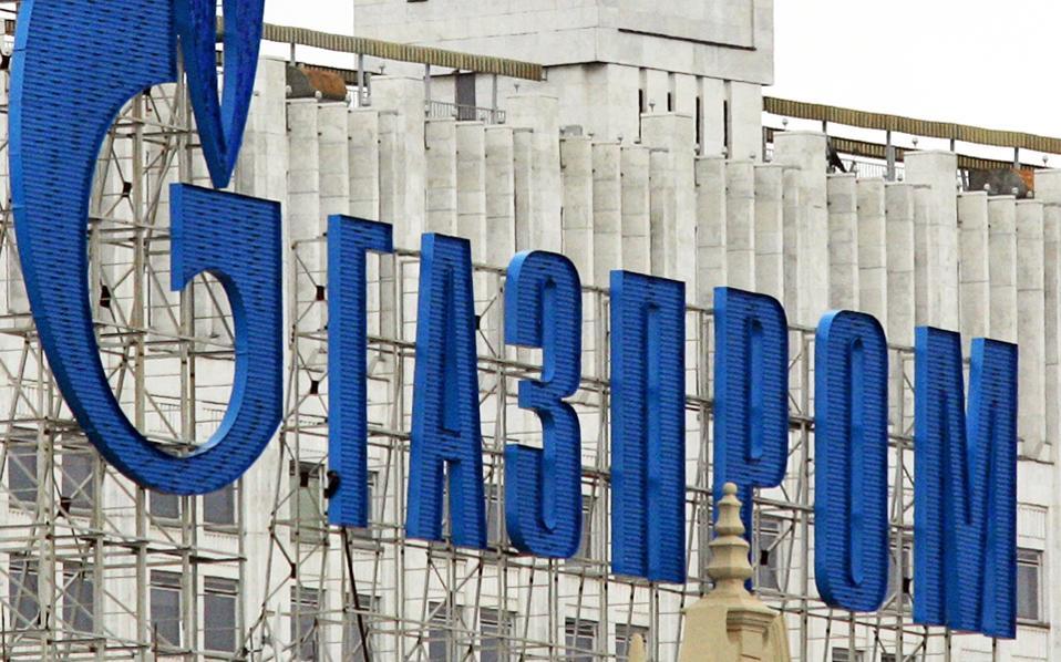 Το ενδιαφέρον σε αυτή την εξέλιξη είναι η απόφαση της Gazprom βασικού προμηθευτή της ΔΕΠΑ να ανατρέψει μια άτυπη συμφωνία με την ελληνική κυβέρνηση αποκλειστικής προμήθειας φυσικού αερίου στη ΔΕΠΑ.