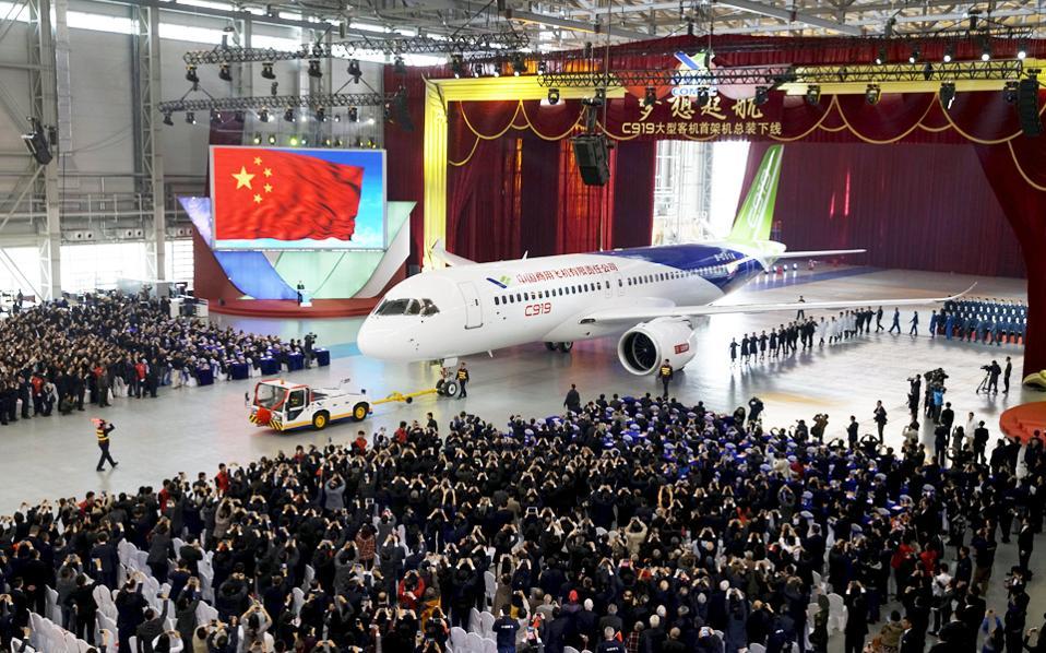 Η κρατική αεροναυπηγική Commercial Aircraft Corp. of China (COMAC) ετοιμάζεται να παρουσιάσει αεροσκάφος 168 θέσεων, το μοντέλο C919.