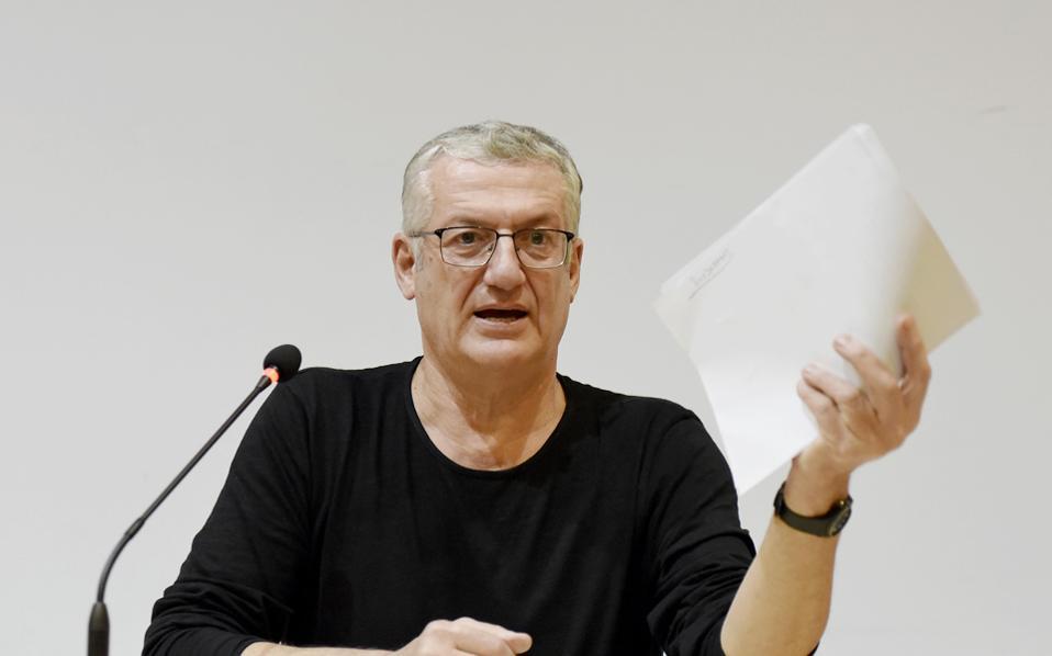 Το φεστιβάλ περνάει την τρίτη του κρίση σε λιγότερο από ένα χρόνο, είπε ο κ. Θεοδωρόπουλος κατά τον καλλιτεχνικό του απολογισμό.