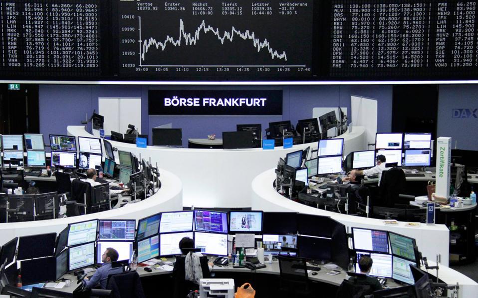 Τα μεγαλύτερα κέρδη σημείωσε ο δείκτης Ftse Mib του Μιλάνου, που έκλεισε με άνοδο 2,56%. Ακολουθούν ο Xetra Dax της Φρανκφούρτης, με άνοδο 1,93%, και ο CAC 40 της Γαλλίας, με άνοδο 1,91%.
