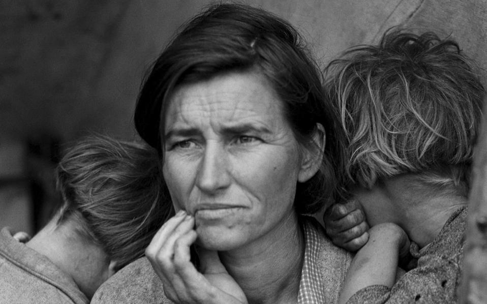 Dorothea Lange, «Migrant Mother» (1936). Aπό τη συλλογή του Ελτον Τζον.