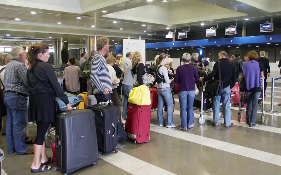 Ο συνολικός αριθμός των πτήσεων στο δεκάμηνο ανήλθε σε 419.316.