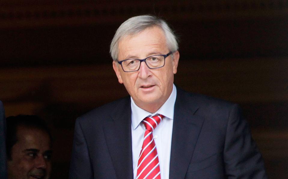 Προ εβδομάδων ο πρόεδρος της Κομισιόν, Ζαν-Κλοντ Γιούνκερ, είχε πει σε στενούς συνεργάτες του ότι «αν αποτύχει ο Ρέντσι (φωτ.), αποτυγχάνει η Ευρώπη».