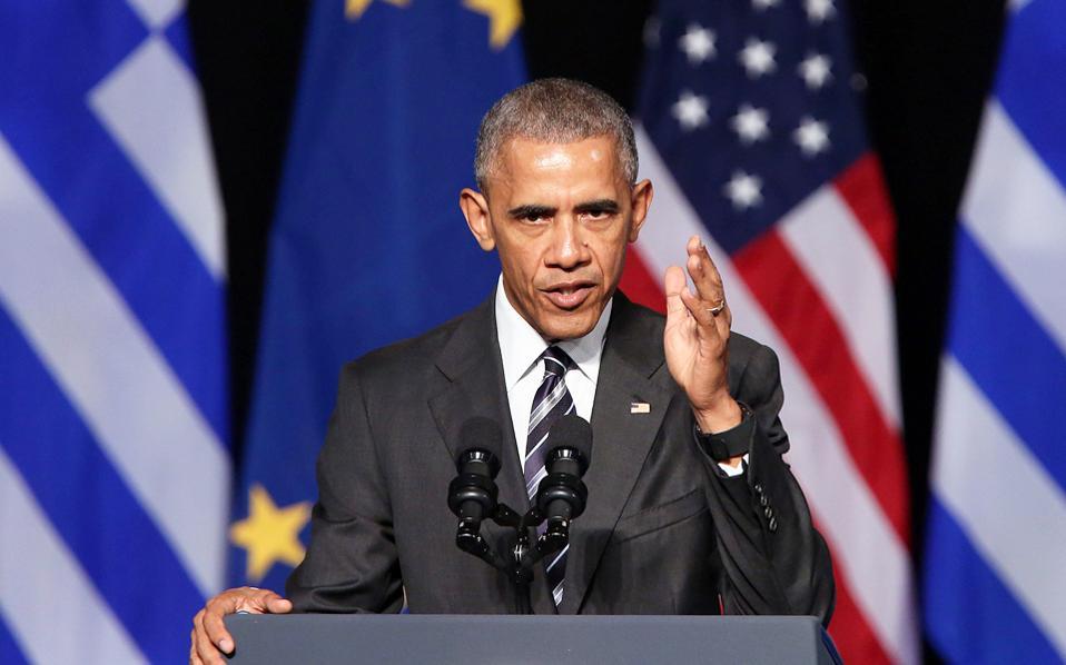 Αναφερόμενος στον Τραμπ, ο  Ομπάμα είπε ότι «έχουμε πολύ διαφορετικές απόψεις, αλλά η αμερικανική δημοκρατία είναι μεγαλύτερη από οποιοδήποτε πρόσωπο».