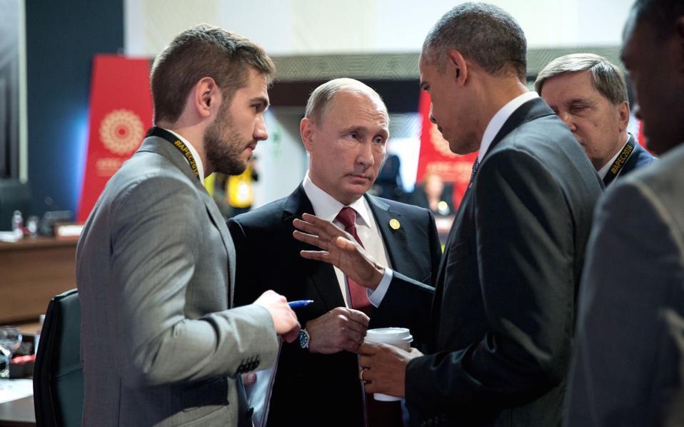 Τέσσερα λεπτά κράτησε ο περιβόητος διάλογος με τον Ρώσο πρόεδρο, Βλαδιμήρ Πούτιν.