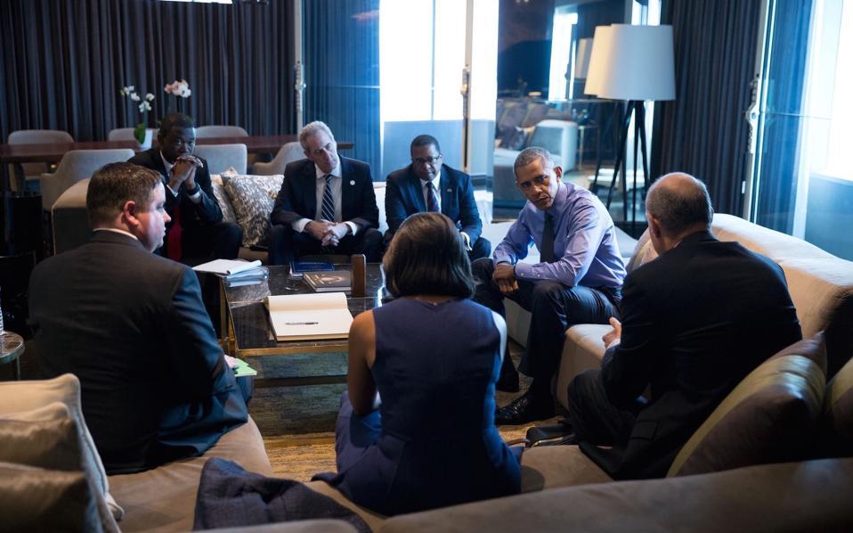 Συνάντηση με διπλωμάτες στο Περού.