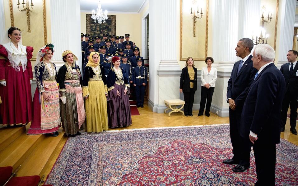 Συνάντηση με χορεύτριες από το Λύκειο Ελληνίδων.
