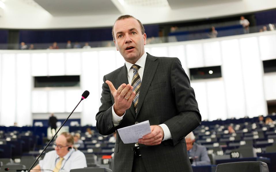 «Θέλουμε την Τουρκία ως εταίρο και όχι ως μέλος της Ε.Ε.», ανέφερε ο κ. Μ. Βέμπερ, επαναφέροντας τη γνωστή θέση των Γερμανών Χριστιανοδημοκρατών.