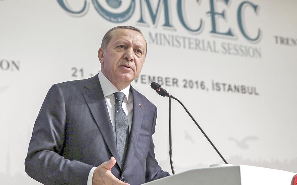 Ο Ταγίπ Ερντογάν χθες στην Κωνσταντινούπολη. Δείχνει να τρέφει μεγάλες ελπίδες για την προεδρία Τραμπ.