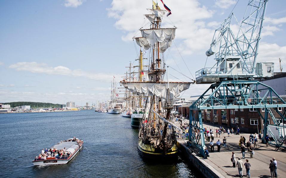 Το λιμάνι του Ααρχους, το μεγαλύτερο της Δανίας. Tα νερά του έγιναν κατάλληλα για κολύμβηση!