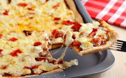 65131011_01176_grigora_skouroxromh-pizza-me-3-tyria