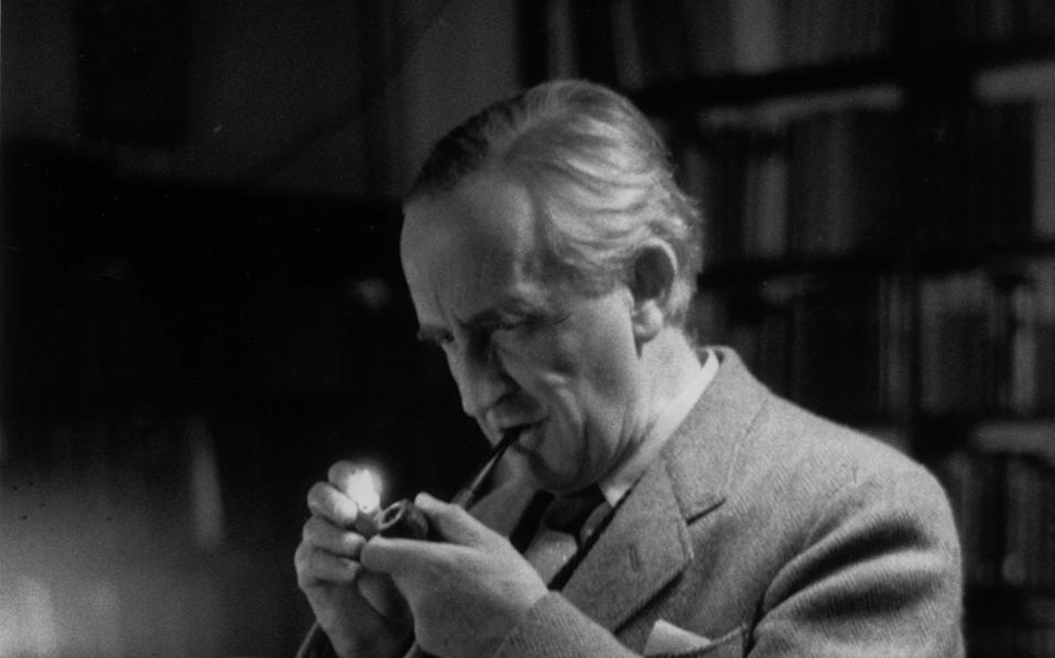 Ο Βρετανός συγγραφέας Ρ. Τζ. Τόλκιν μετέφερε στον «Αρχοντα των δαχτυλιδιών» τις δυσάρεστες μνήμες του από τις μάχες του Σομ το 1916.