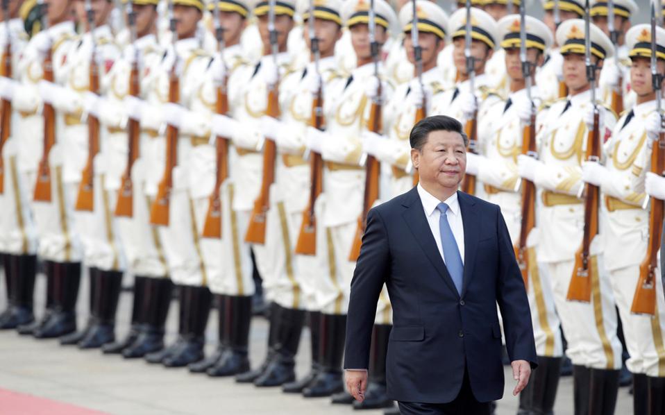 Ο Κινέζος πρόεδρος Σι Τζινπίνγκ βρίσκεται αυτές τις ημέρες στο Περού, όπου θα πάρει μέρος στην ετήσια σύνοδο των χωρών της Οικονομικής Συνεργασίας Ασίας - Ειρηνικού (Apec) και αναμένεται να προωθήσει την ευρύτερη Ζώνη Ελεύθερου Εμπορίου Ασίας - Ειρηνικού.