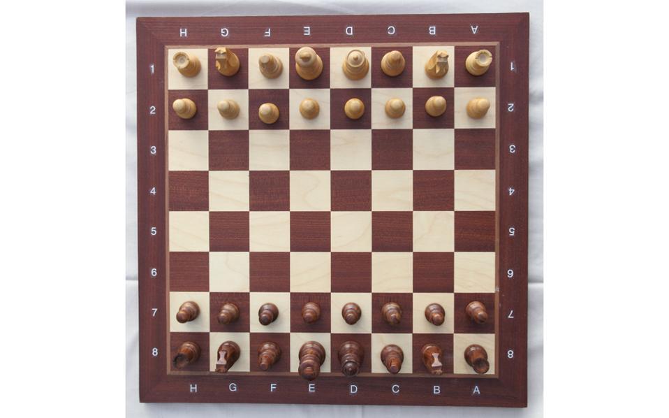 Οι εγγεγραμμένοι σκακιστές σε ελληνικά σωματεία έχουν φτάσει τις 45.000, ενώ όσοι παίζουν στο Διαδίκτυο είναι πολύ περισσότεροι.