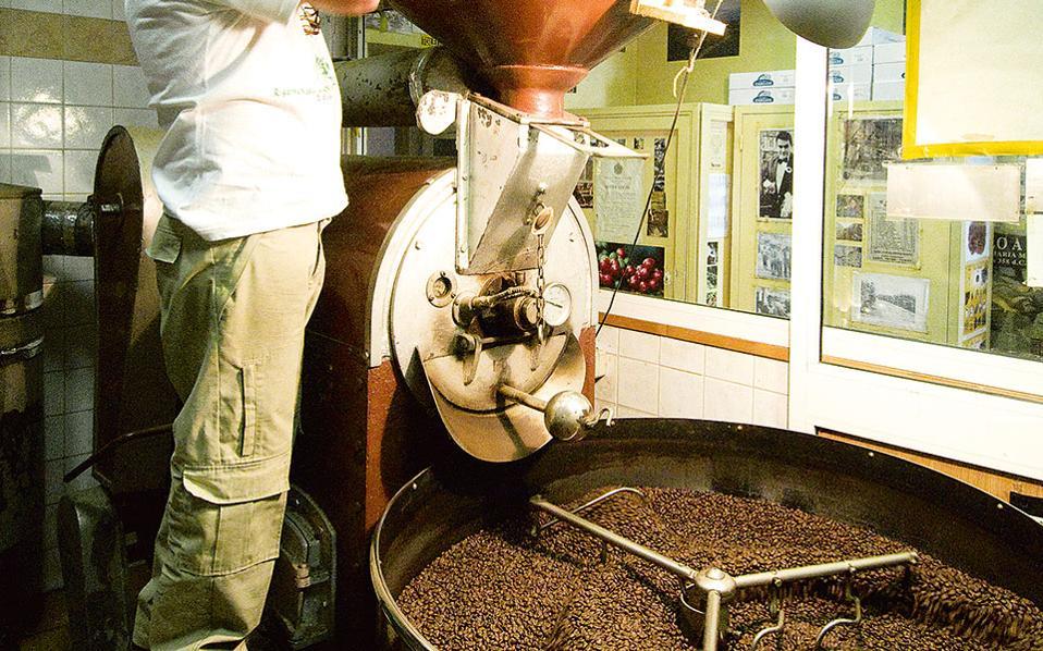 Η μυρωδιά του φρεσκοκομμένου καφέ θα σας οδηγήσει στο Caffé Sant' Eustachio.