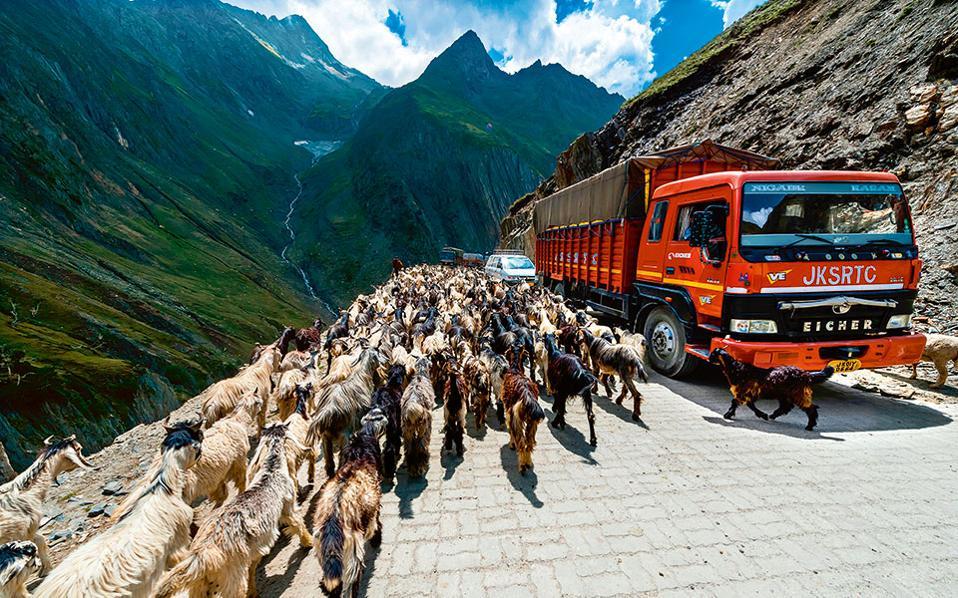 2. Zoji La Pass, Ινδία. (Φωτογραφία: Visualhellas.gr)