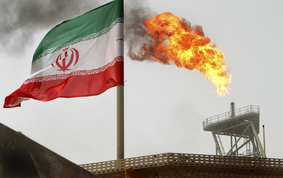Η Τεχεράνη προτίθεται να πληρώσει την Total σε είδος, σε συμπυκνωμένο φυσικό αέριο, που ο γαλλικός κολοσσός θα μπορεί να εμπορευθεί στις διεθνείς αγορές, παρακάμπτοντας το ιρανικό χρηματοπιστωτικό σύστημα.