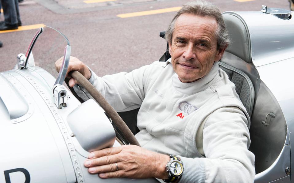 Ο παλαίμαχος πιλότος της Formula 1 Jacky Ickx οδηγεί μία από τις βολίδες στη διοργάνωση του 2014.