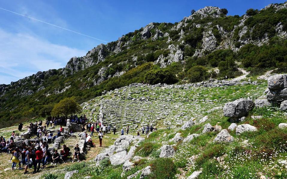 Το αρχαίο θέατρο της Κασσώπης στην Ηπειρο έχει ενταχθεί στον λαϊκό κουμπαρά για crowdfunding της πλατφόρμας act4greece της Εθνικής Τράπεζας.