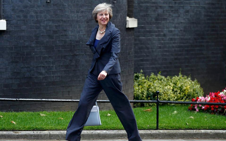 Η Γερμανίδα καγκελάριος Αγκελα Μέρκελ δεν ικανοποίησε, στις 18 Νοεμβρίου, αίτημα της Βρετανίδας πρωθυπουργού Τερέζα Μέι για προσωρινή συμφωνία σε ό,τι αφορά το καθεστώς διαμονής των αποδήμων στη Βρετανία από την Ε.Ε. ή των Βρετανών σε άλλα κράτη-μέλη.