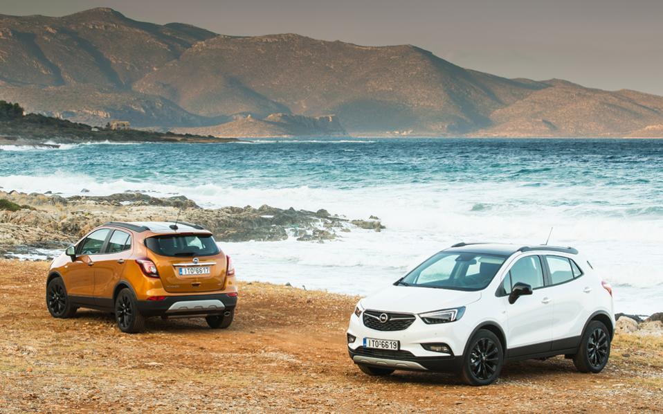 Τα νέα στοιχεία του Opel Mokka X, όπως η οριζόντια εμπρός μάσκα σε σχήμα φτερού, δηλώνουν τολμηρή προσωπικότητα.