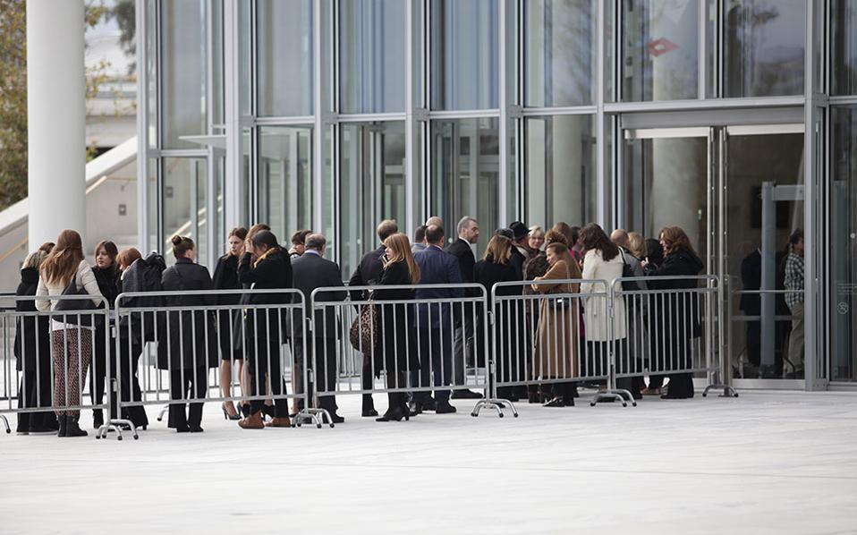 Κοσμοσυρροή στο Ιδρυμα Νιάρχος για την ομιλία Ομπάμα