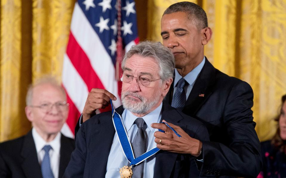 Ο Ομπάμα βράβευσε μεταξύ άλλων και τον Ρόμπερτ Ντε Νίρο.