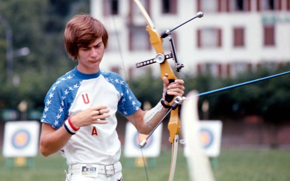 O Πέις ως αθλητής της τοξοβολίας υπήρξε ιδιαίτερα αντισυμβατικός. Εκανε πάντα αυτά που του έλεγαν να μην κάνει.
