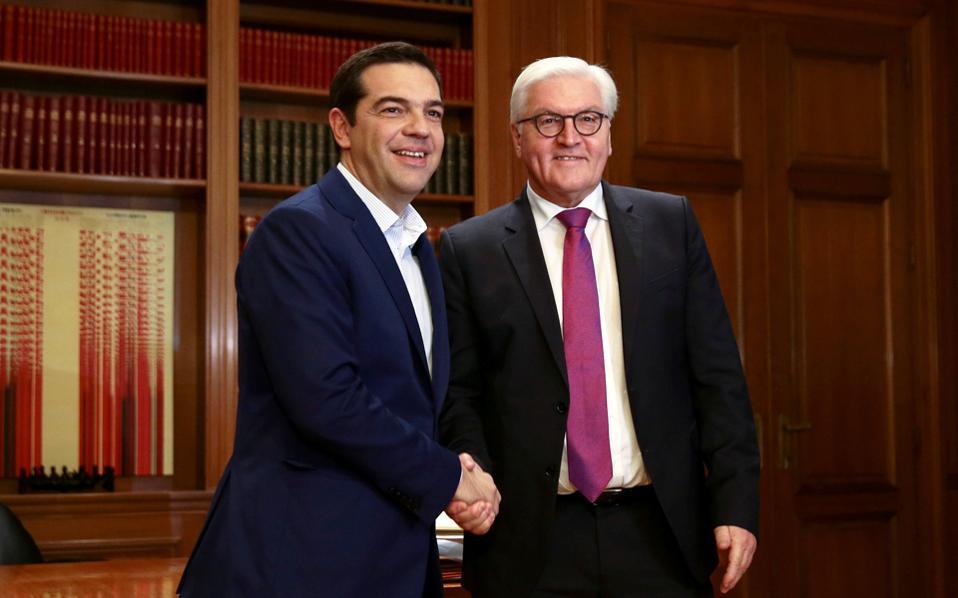Στο Μαξίμου συναντήθηκαν χθες ο Ελληνας πρωθυπουργός και ο Γερμανός ΥΠΕΞ.