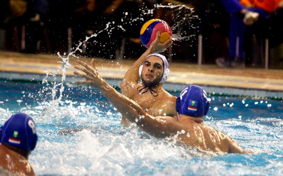 Η Ελλάδα επικράτησε με 9-8 των Ολλανδών για την προκριματική φάση της παγκόσμιας Λίγκας.