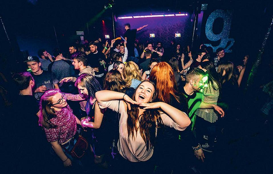 Το night club Garage είναι το αγαπημένο στέκι  των φοιτητών.