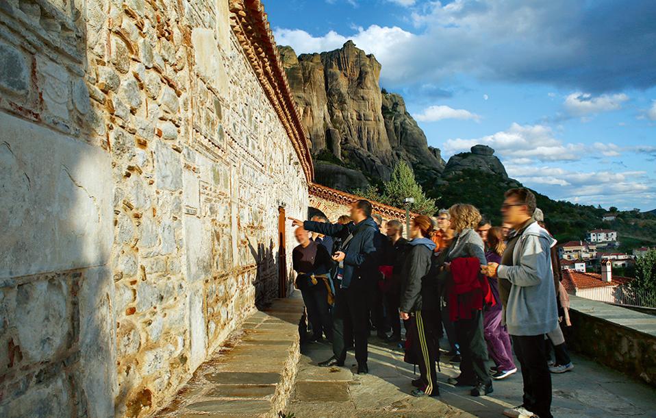 Ο Ναός της Κοίμησης της Θεοτόκου στην Καλαμπάκα. (Φωτογραφία: ΝΙΚΟΣ ΚΟΚΚΑΣ)
