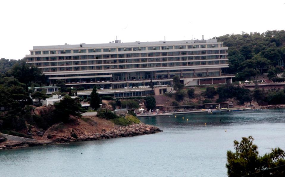 Η συνολική επένδυση της κοινοπραξίας στο ξενοδοχειακό συγκρότημα του Αστέρα Βουλιαγμένης θα φθάσει στα 630 εκατ. ευρώ.