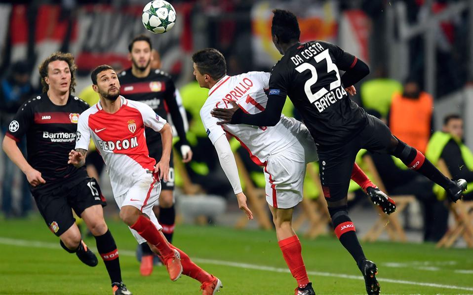H Moνακό, αν και ήταν στο 4ο γκρουπ δυναμικότητας, πήρε την 1η θέση του 5ου ομίλου και συνεχίζει, αν κι αυτό δεν αποτελεί έκπληξη, αφού οι Μονεγάσκοι ανήκουν στην ελίτ του ευρωπαϊκού ποδοσφαίρου και έχουν υψηλό μπάτζετ.
