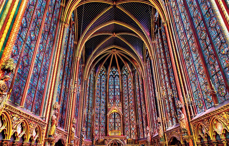 Tα διάσημα βιτρό της Saint Chapelle. (Φωτογραφία: VISUALHELLAS.GR)