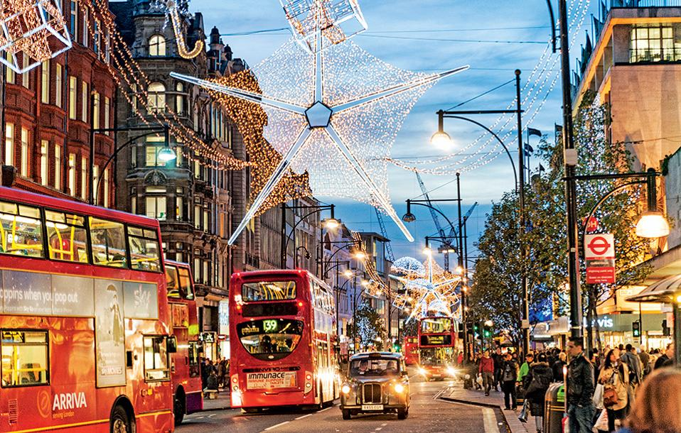 Η Oxford Street φοράει τα γιορτινά της. (Φωτογραφία: GETTY IMAGES/IDEAL IMAGE)