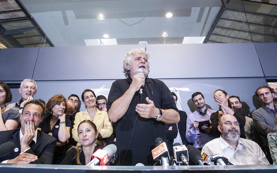 Το Κίνημα των Πέντε Αστέρων του Μπέπε Γκρίλο είναι μία από τις πολιτικές δυνάμεις που στηρίζουν το «Οχι».