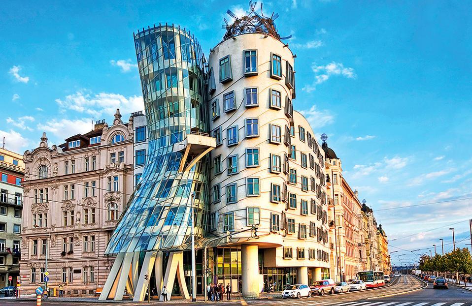 κτίρια που χρονολογούνται από τον άνθρακα