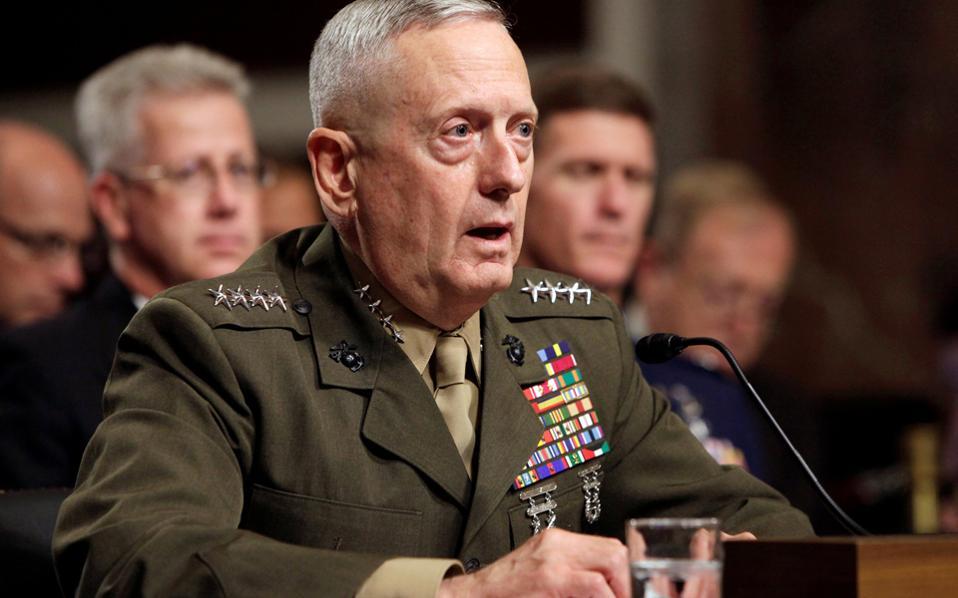 Ο στρατηγός Τζέιμς Μάτις στην επιτροπή ενόπλων δυνάμεων της Γερουσίας, τον Ιούλιο του 2010.