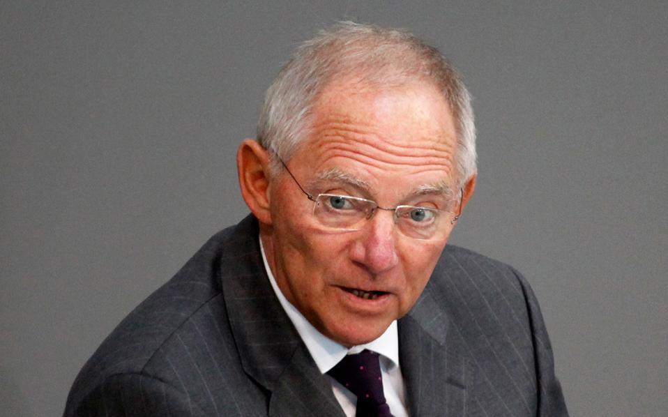 «Δεν θα συνιστούσα στην ελληνική πλευρά να επιδιώξει νέο πρόγραμμα χωρίς τη συμμετοχή του ΔΝΤ», τόνισε ο Γερμανός υπουργός Οικονομικών Β. Σόιμπλε.
