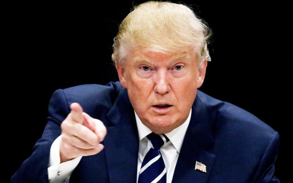 Ο επόμενος Αμερικανός πρόεδρος Ντόναλντ Τραμπ κατηγορεί την Κίνα ότι χειραγωγεί τη συναλλαγματική ισοτιμία του γουάν και ότι θα επιβάλει υψηλούς δασμούς στις εισαγωγές από την Κίνα.