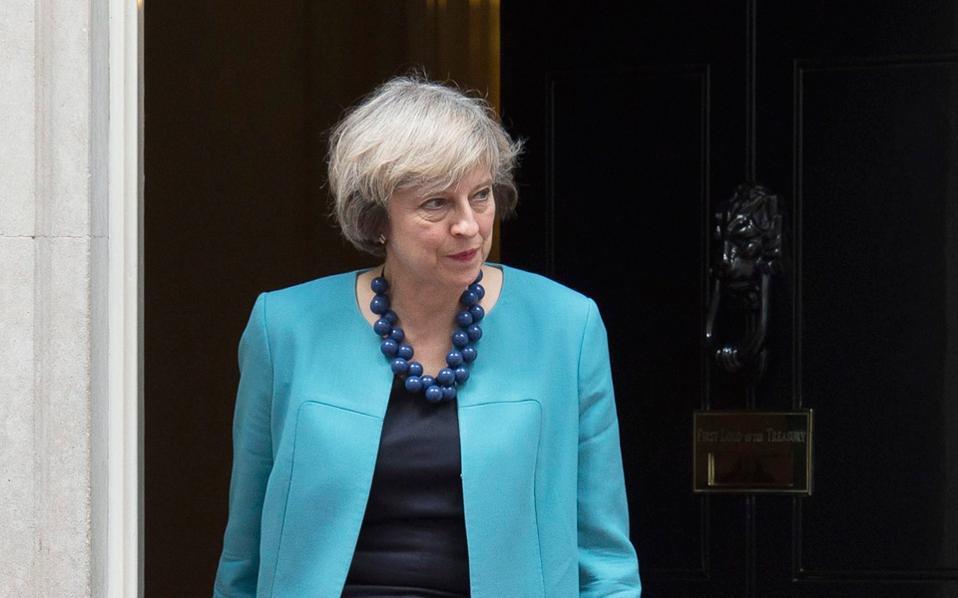 Η Τερέζα Μέι επιδιώκει το «ιδανικό Brexit» και οραματίζεται μια Βρετανία με παγκόσμιο προσανατολισμό. Ωστόσο, η ανησυχία των χρηματαγορών «γκρέμισε» χθες τη στερλίνα.