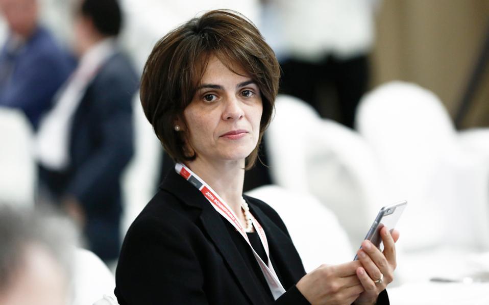 Η μη συμμετοχή του Διεθνούς Νομισματικού Ταμείου συζητήθηκε, για πρώτη φορά ανοιχτά, στο τελευταίο Euroworking Group κατά τη διάρκεια του δείπνου και ενώ είχε αποχωρήσει η εκπρόσωπος του Ταμείου Ν. Βελκουλέσκου (φωτ.) από τη συζήτηση.