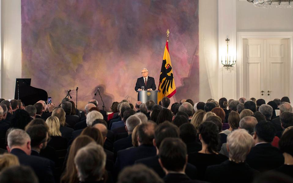 Την τελευταία ομιλία του ως ομοσπονδιακός πρόεδρος της Γερμανίας εκφώνησε χθες ο Γιόακιμ Γκάουκ στο Βερολίνο, ενόψει των εκλογών στην Μπούντεσταγκ για την επιλογή του αντικαταστάτη του στις 12 Φεβρουαρίου.